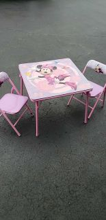 Minnie table and chairs