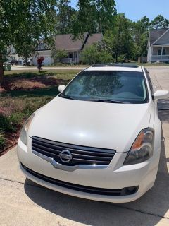 2009 Nissan Altima 2.5 SL Fully Loaded - Leather Interior - Sunroof
