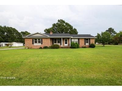 3 Bed 3.5 Bath Foreclosure Property in Lumberton, NC 28360 - Edgewood Dr