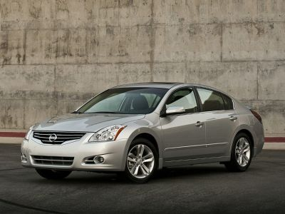 2012 Nissan Altima 2.5 (Winter Frost Pearl)
