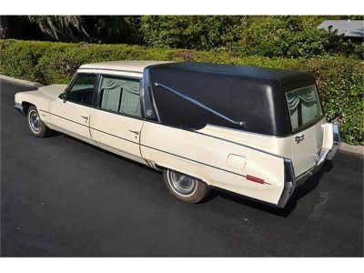 1971 Cadillac Crown Superior Hearse