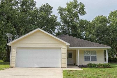 3 Bed 2 Bath Home is Silverhill Alabama