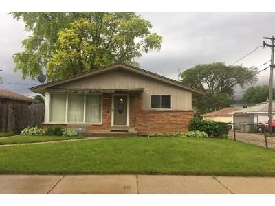 3 Bed 2 Bath Preforeclosure Property in Milwaukee, WI 53218 - N 75th St