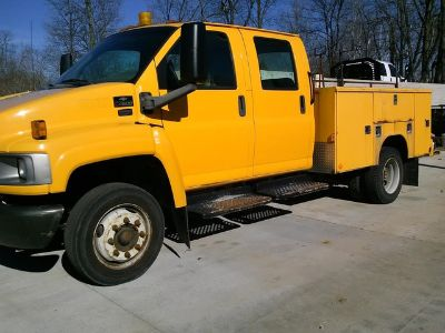 2005 Chevrolet Top Kick C4500 4-Door utility Truck
