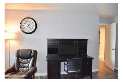 2 bedrooms Condo - Handsome FURNISHED upper floor. Single Car Garage!