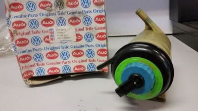 Sell Original Audi 443422371F 100 200 5000 C3 Servo oil tank Turbo Quattro motorcycle in Daly City, California, United States, for US $79.00