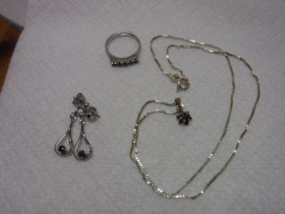 Set of 925 necklace, earrings & ring