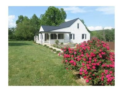 3 Bed 2 Bath Foreclosure Property in Mount Airy, NC 27030 - Old Highway 601