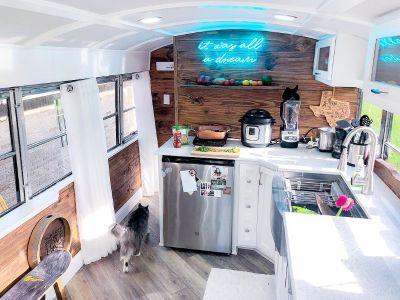 2018 Airstream AMBASSADOR