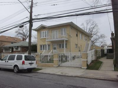 ID#: 1329613 Spacious Three Bedroom Apartment for Rent in Bayside