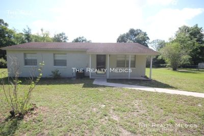 RENT RECENTLY LOWERED RENT! Charming 3 Bedroom, 2 Bathroom Home in Orlando!!