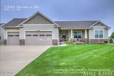5 Bed 3.5 Bath - Beautifully maintained, single family home in Hudsonville!