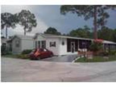 Near Disney - Two BR One BA cottage. Resort living and 10k+/yr.