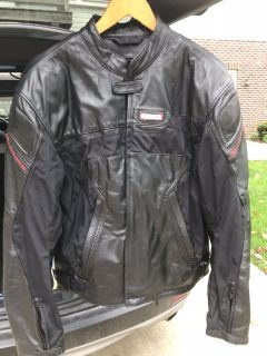 Motorcycle leather jacket with zip out lining