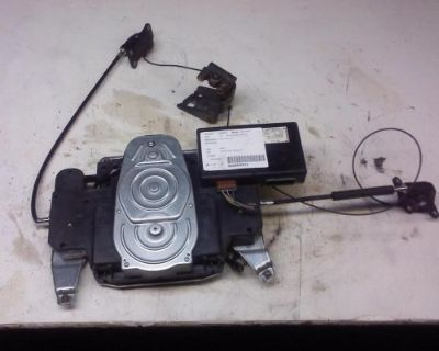 Sell HONDA ODYSSEY Passenger Sliding Door Motor (side door), R. 99 00 01 02 03 04 motorcycle in Racine, Wisconsin, United States, for US $50.00