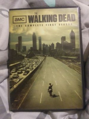 Season 1 Walking Dead DVD