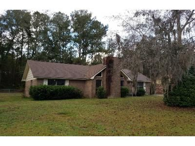 3 Bed 2.0 Bath Preforeclosure Property in Hinesville, GA 31313 - Deann Dr