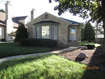 3 Bed 1 Bath Foreclosure Property in Milwaukee, WI 53215 - S 39th St