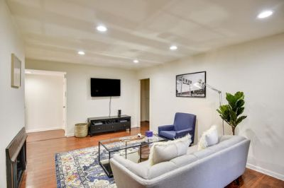 $3780 2 apartment in West Los Angeles