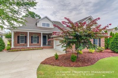 Gorgeous Brick Home on Golf Course for Rent! Lawn care included