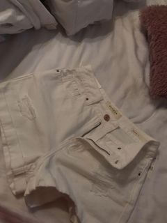 NWT Pacsun Size 25 White Jean Mom Shorts