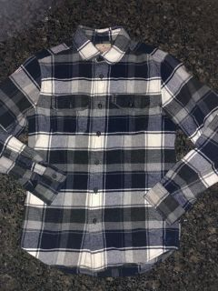 American Eagle flannel men s XS Classic Fit. Excellent condition! Cross posted.