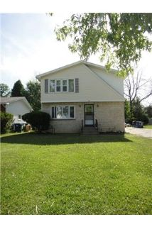 3 bedrooms Apartment - This small-sized building in a residential neighborhood of Amherst. Washer/Dr