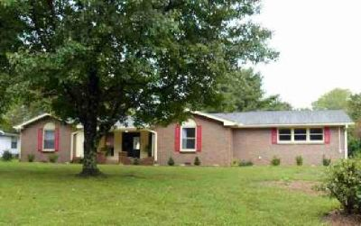 449 Coles Ferry Rd Gallatin Three BR, Beautiful home with