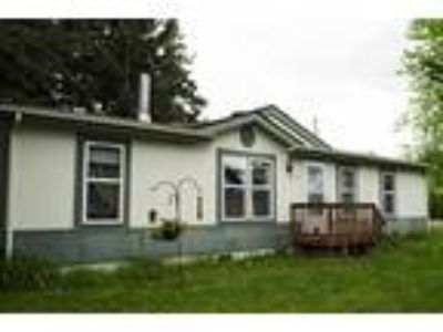 FSBO Three BR Manufactured Home on 1 Rented Acre