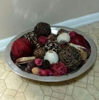 LARGE/METAL BOWL/WITH BALL DECOR.....EXCELLENT CONDITION