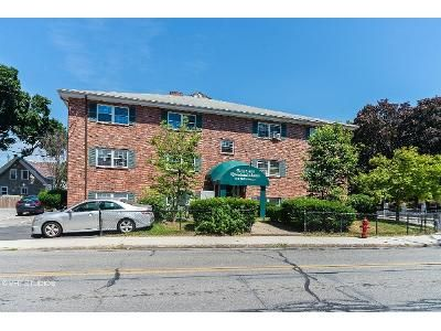 1 Bed 1 Bath Foreclosure Property in Lowell, MA 01851 - Pine St Apt 14