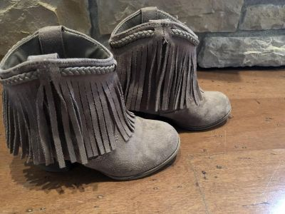 Adorable size 13 girls boots