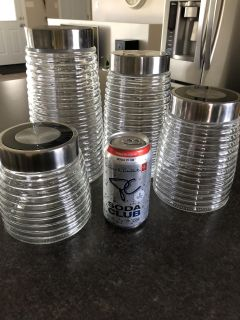 Kitchen canister