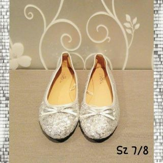 NEW WOMENS SILVER SEQUIN FLAT SHOES SIZE 7/8