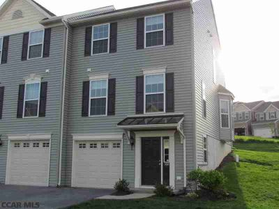 168 Kestrel Lane BOALSBURG Three BR, Great end unit in The Gates!