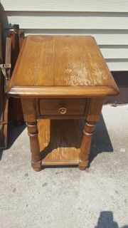Solid End table w/drawer