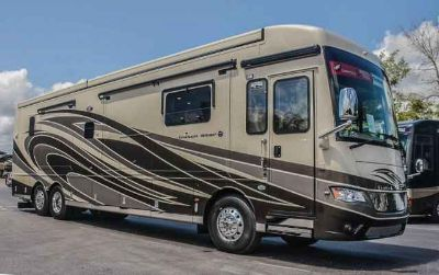 2018 Newmar Dutch Star 4018, Custom Paint, Floors, Counters!