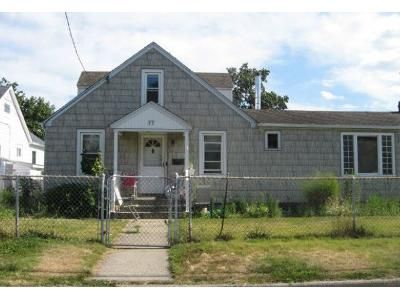 4 Bed 3 Bath Preforeclosure Property in Lindenhurst, NY 11757 - East Kissmee Road And Boat Bertha Riviera Drive