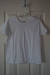 Boys Fruit of the Loom White T-Shirt Size Small/4 QUANTITY 3
