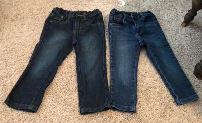 Straight fit 2t wrangler boy jeans (not carpenters)