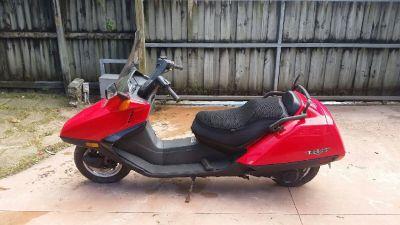 2006 Cherry Condition Honda Helix w/very low miles