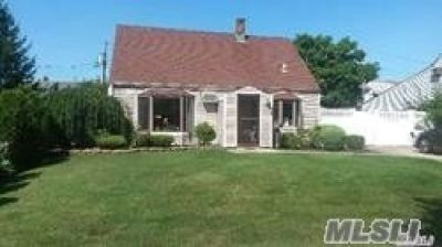 ID# DEEP Beautiful Expanded Cape In Levittown