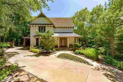 3316 Creek Court Keller Four BR, Located in the heart of