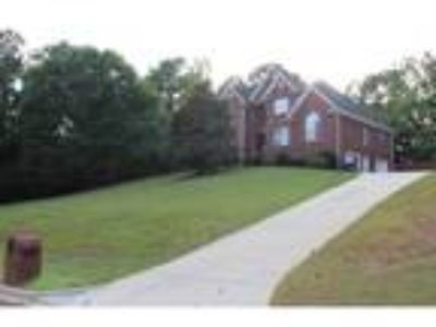 Four BR/3.Two BA Property in Trussville, AL