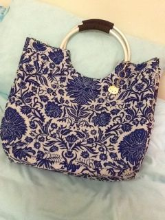Insulated BAG with Kitty on chain