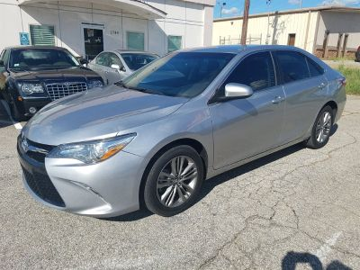 2017 Toyota Camry SE (Silver Or Aluminum)