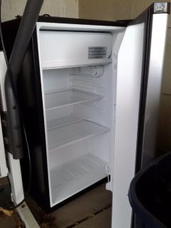 Whirpool Refrigerator dorm size