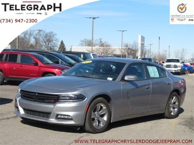 2018 Dodge Charger SXT (Bright Silver Metallic Clearcoat)