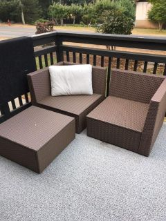 3 piece Patio furniture (with cushions)