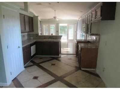 3 Bed 2 Bath Foreclosure Property in Jacksonville, FL 32256 - Fawn Lake Dr N